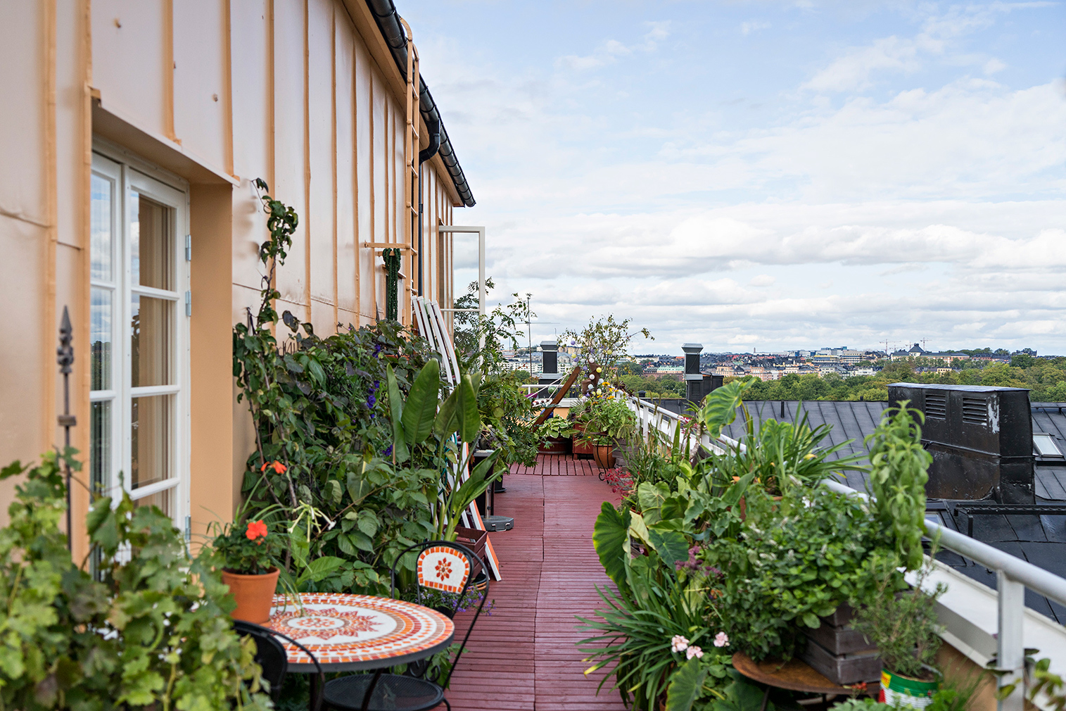 Rooftop cottage for sale in Stockholm