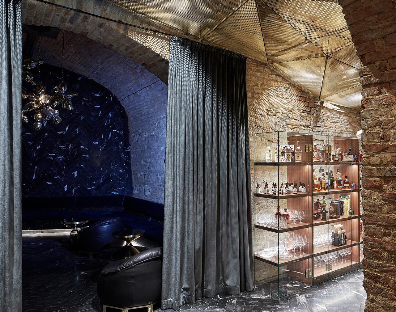 Vienna's Krypt cocktail bar