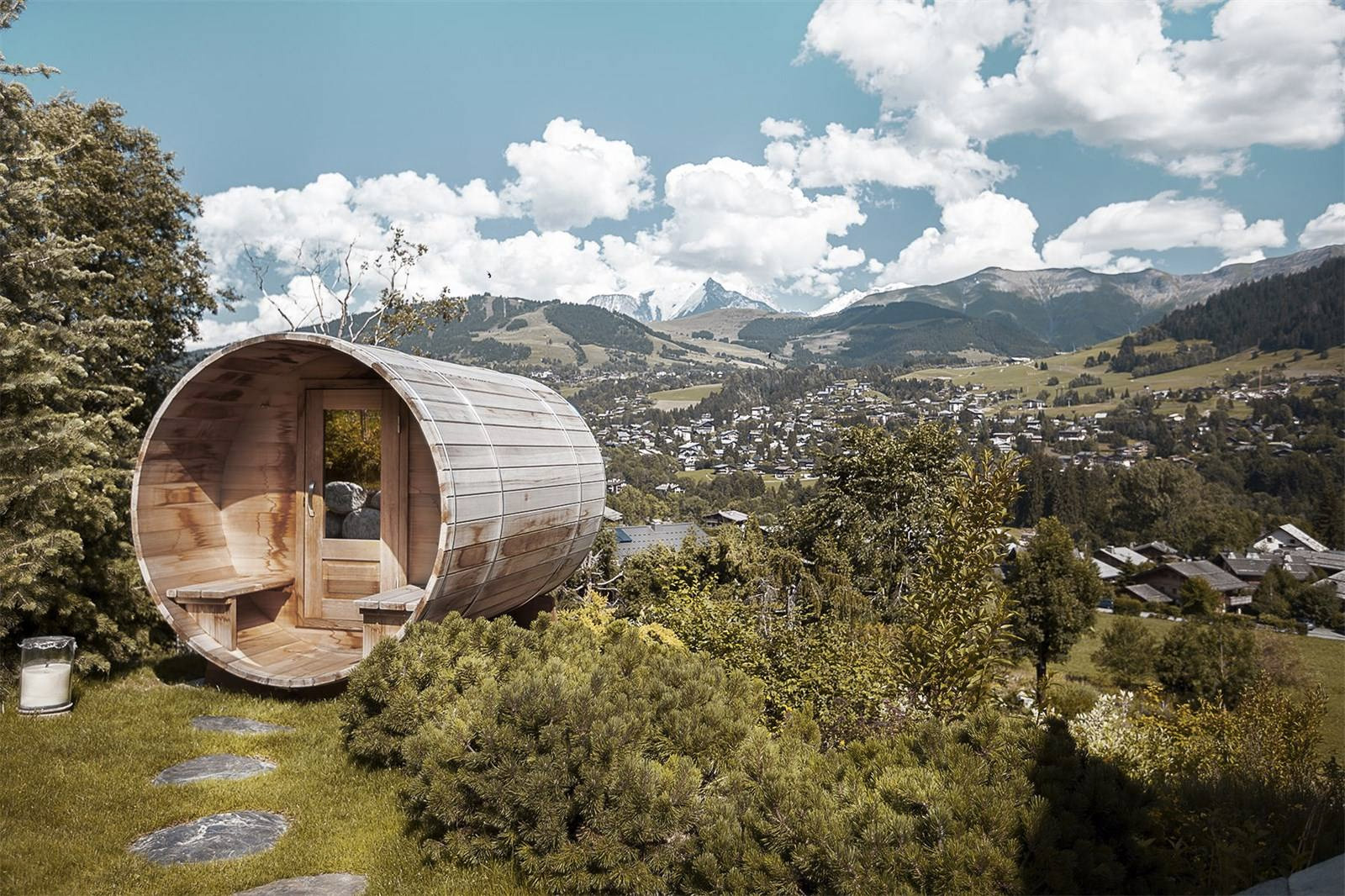 Chalet sauna with views of Mount Blanc