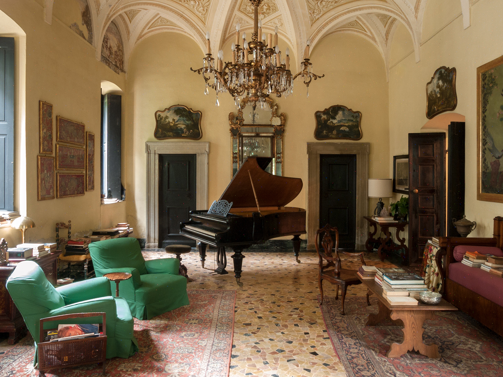 The salon. Photography: Giulio Ghirardi