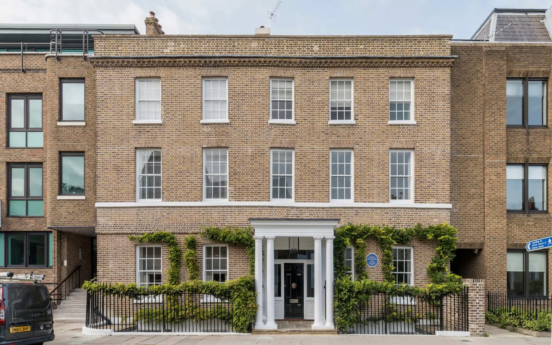 Virginia and Leonard Woolf's former home Hogarth House is for sale