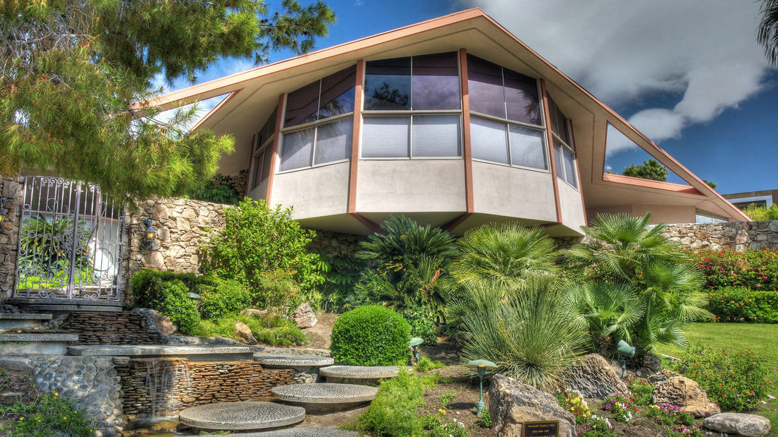 Elvis and Priscilla's honeymoon pad is for sale in Palm Springs