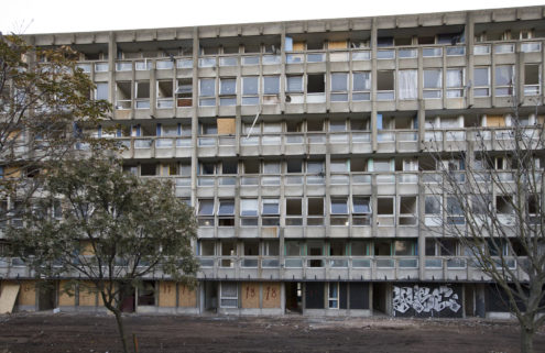 V&A adds piece of Brutalist estate Robin Hood Gardens to its collection