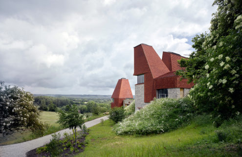 Oast-style home for three generations wins RIBA House of the Year