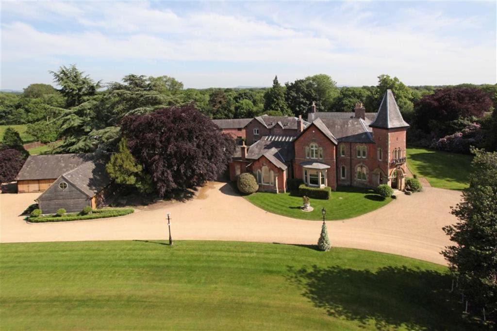 The 10 most viewed UK homes on Rightmove this year