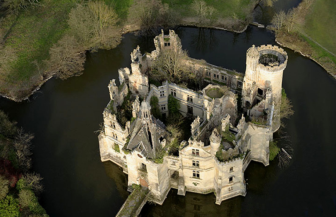 A crowdfunding campaign is underway to save the Mothe-Chandeniers chateau