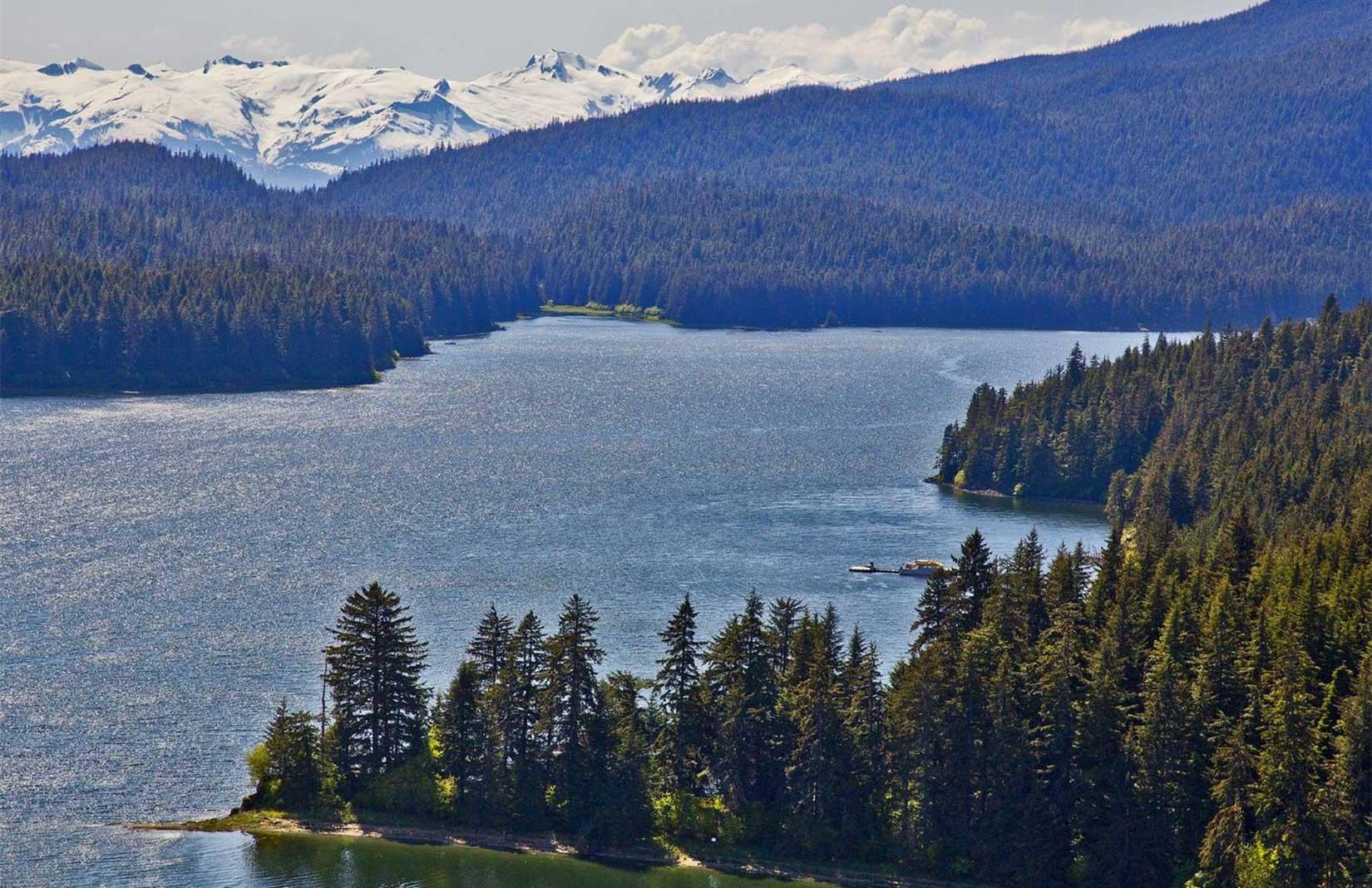 Hidden Bay Retreat in Alaska