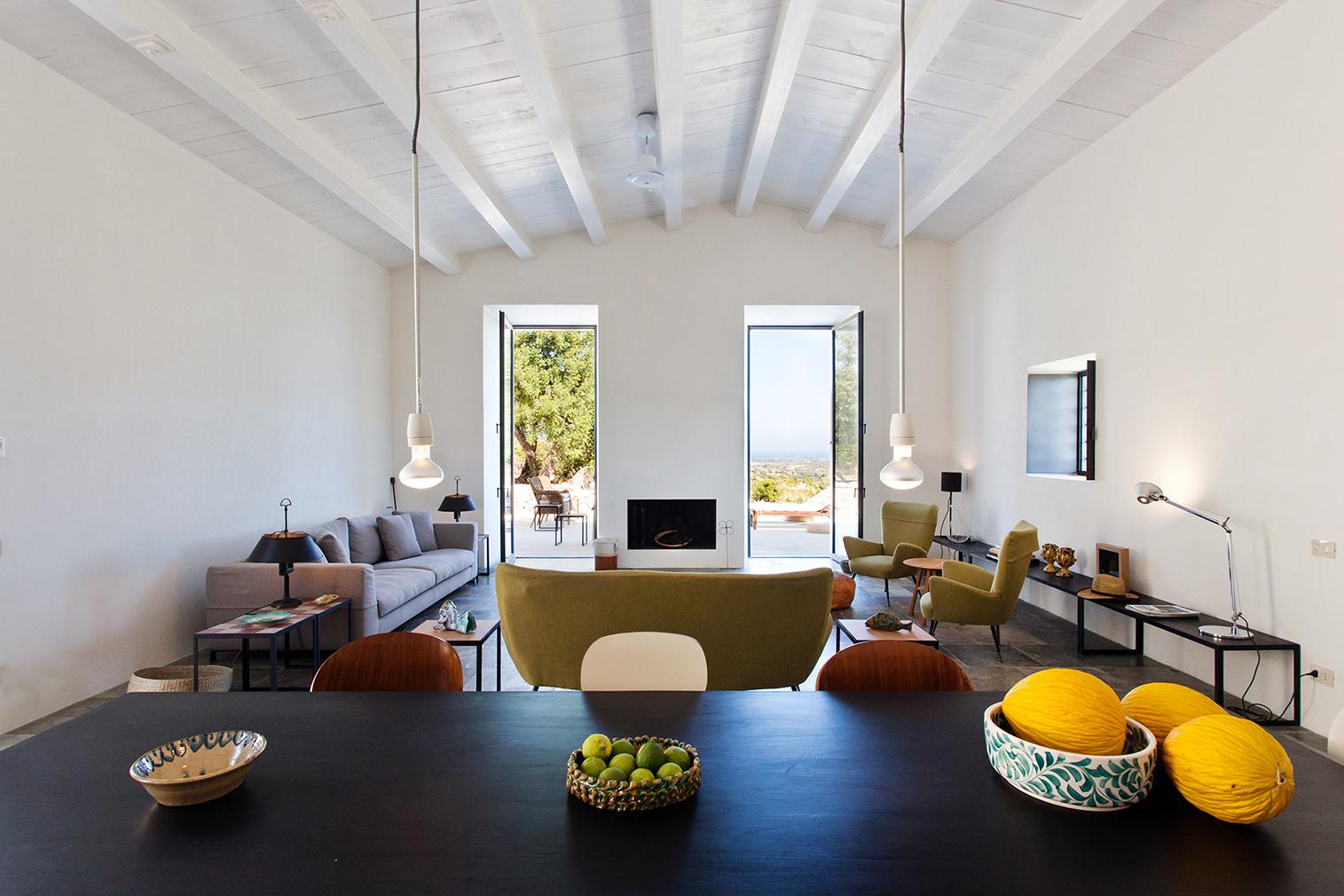 Villa Mura Mura for rent in Sicily via the Thinking Traveller