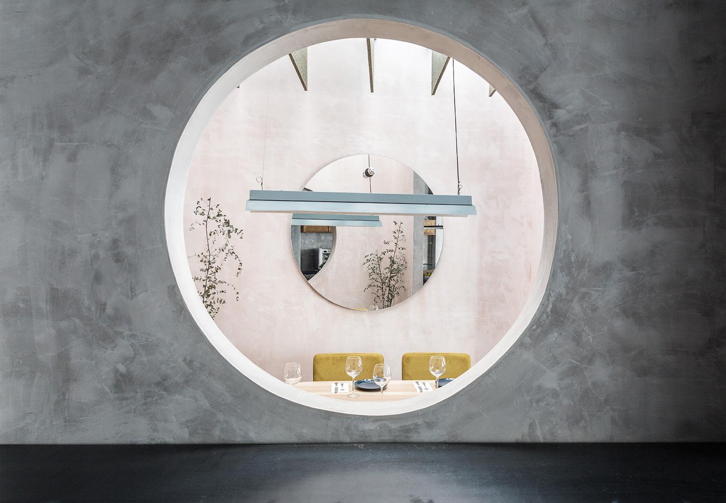 Casa Plata by Lucas y Hernandez-Gil