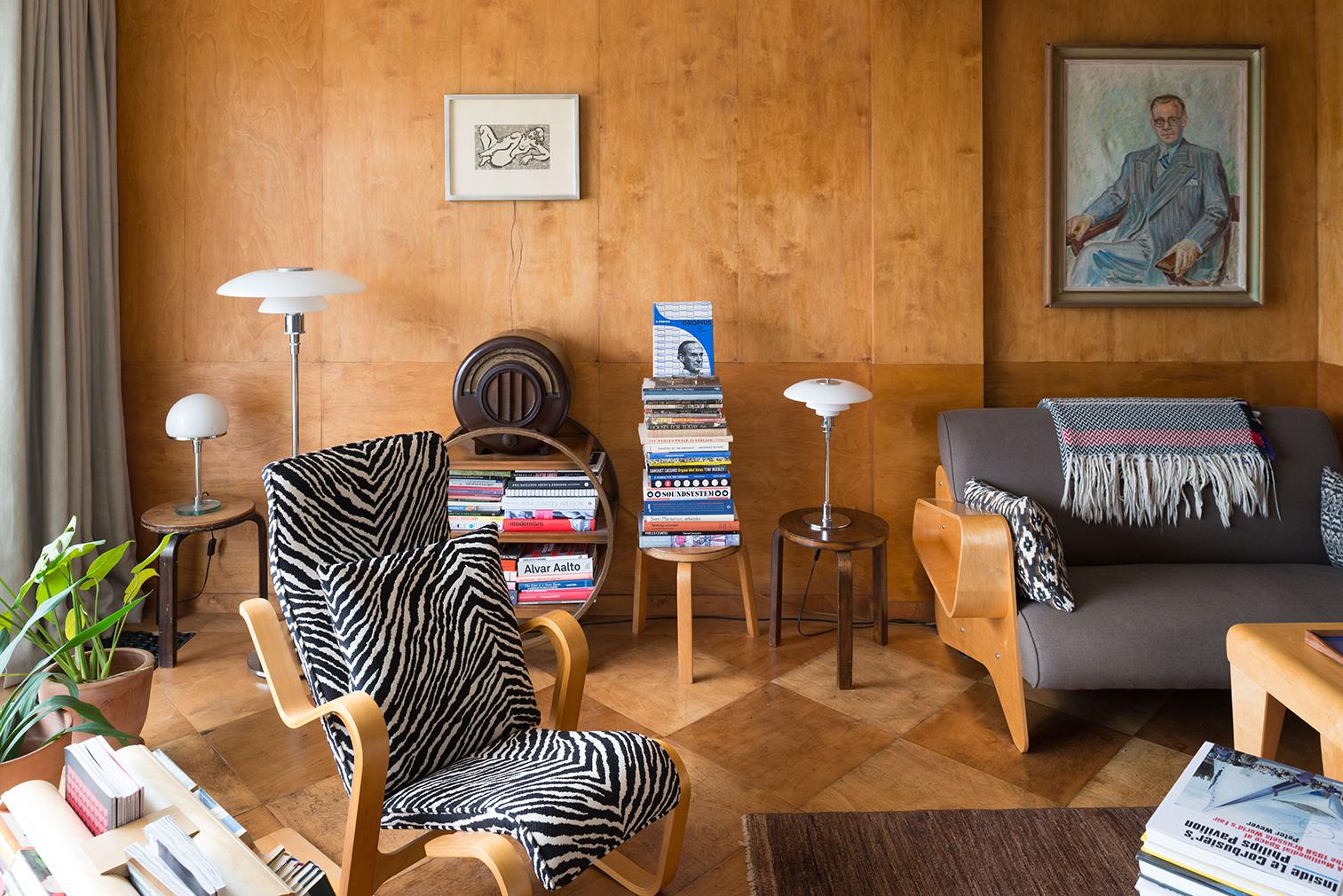 London's Isokon Building penthouse for sale