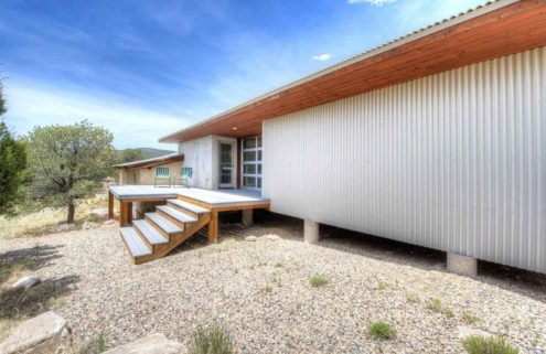 Artists' New Mexico retreat lists for $560k