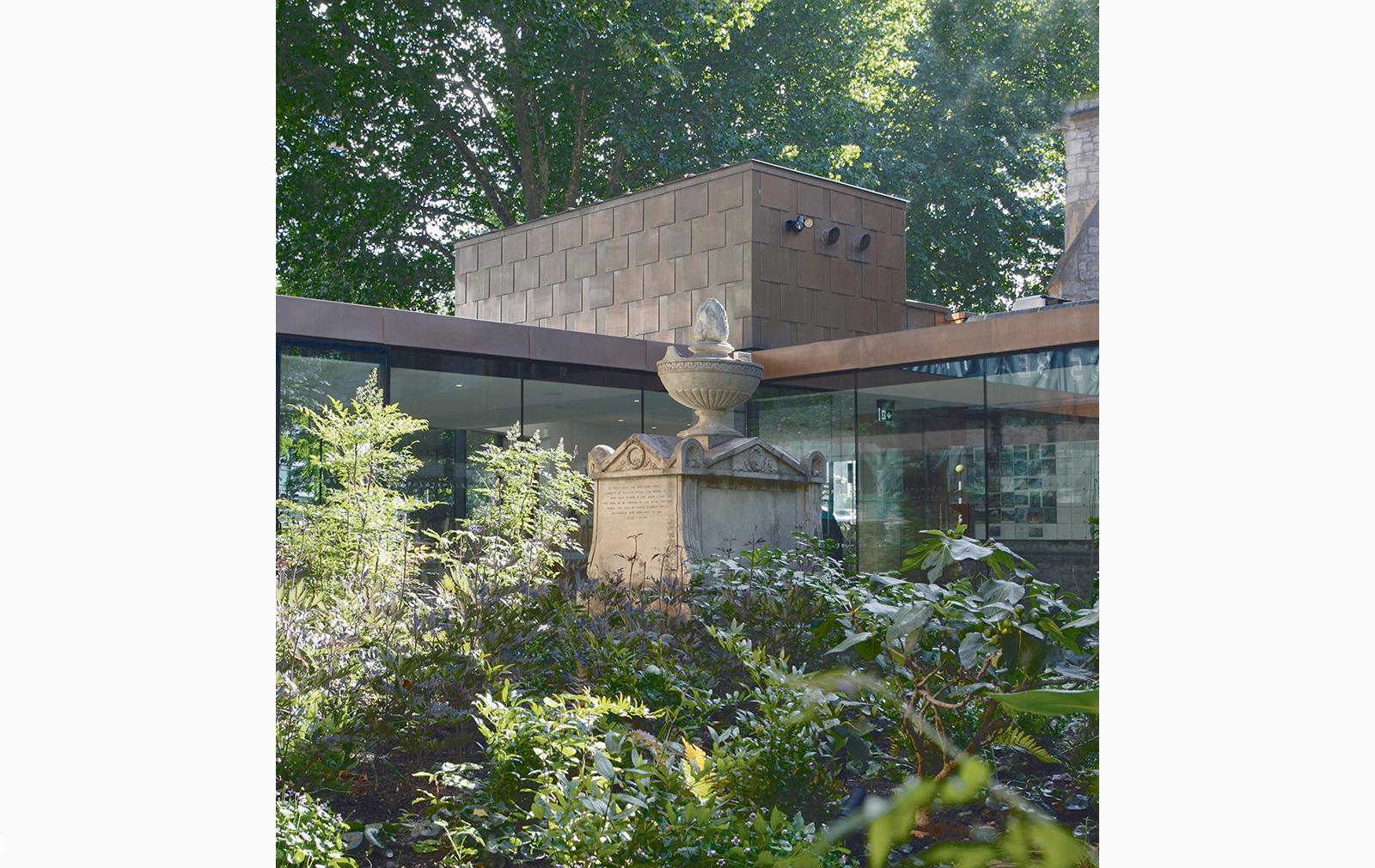 Sackler Garden at the Garden Museum, Lambeth. Courtesy Dan Pearson Studio. Photography: Huw Morgan(c)