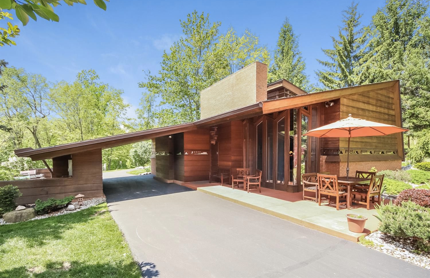 Lloyd Frank Wright Houses little known frank lloyd wright home in michigan lists for $1.2m