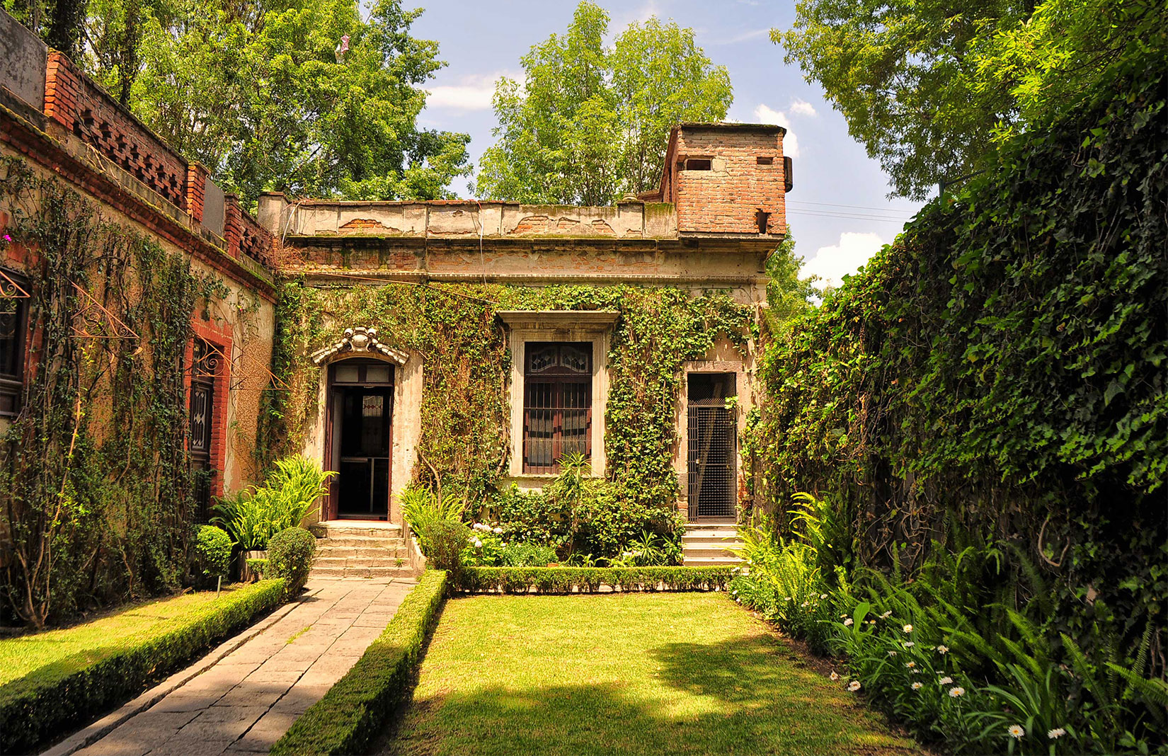 Explore the fascinating house museums of Mexico City
