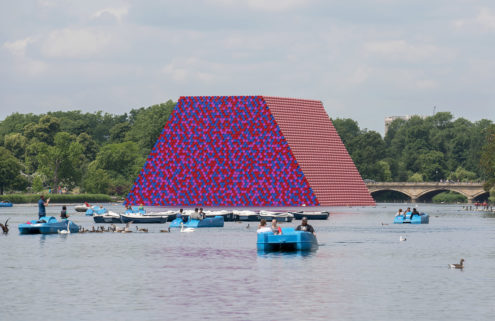 Christo floats a 600-tonne barrel sculpture on London's Serpentine