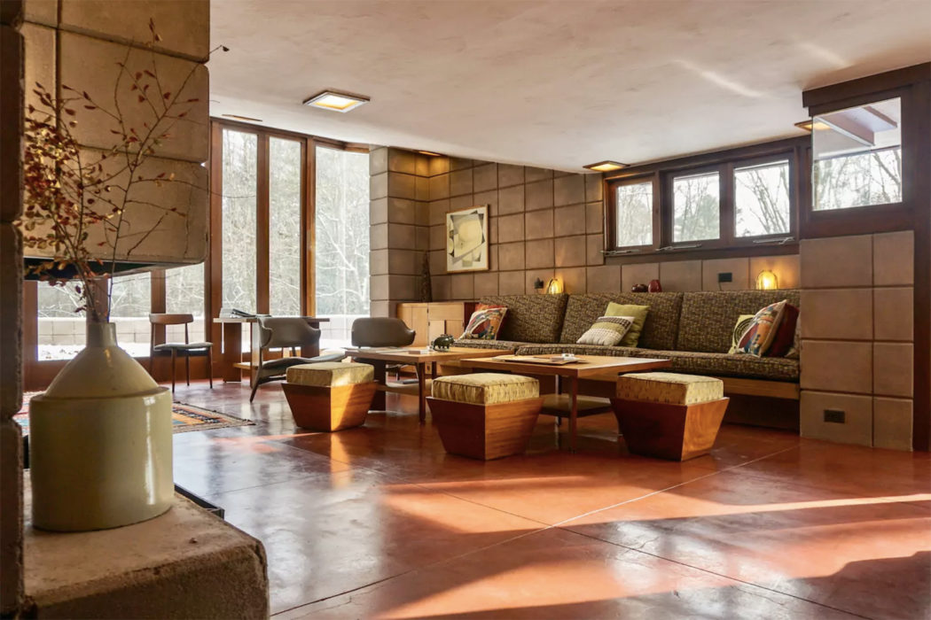 Eppstein House by Frank Lloyd Wright - modernist holiday home for rent