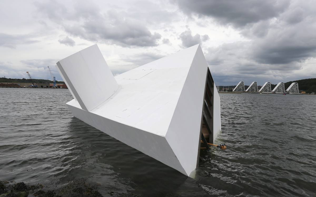 Artist sinks the Villa Savoye in a Danish fjord