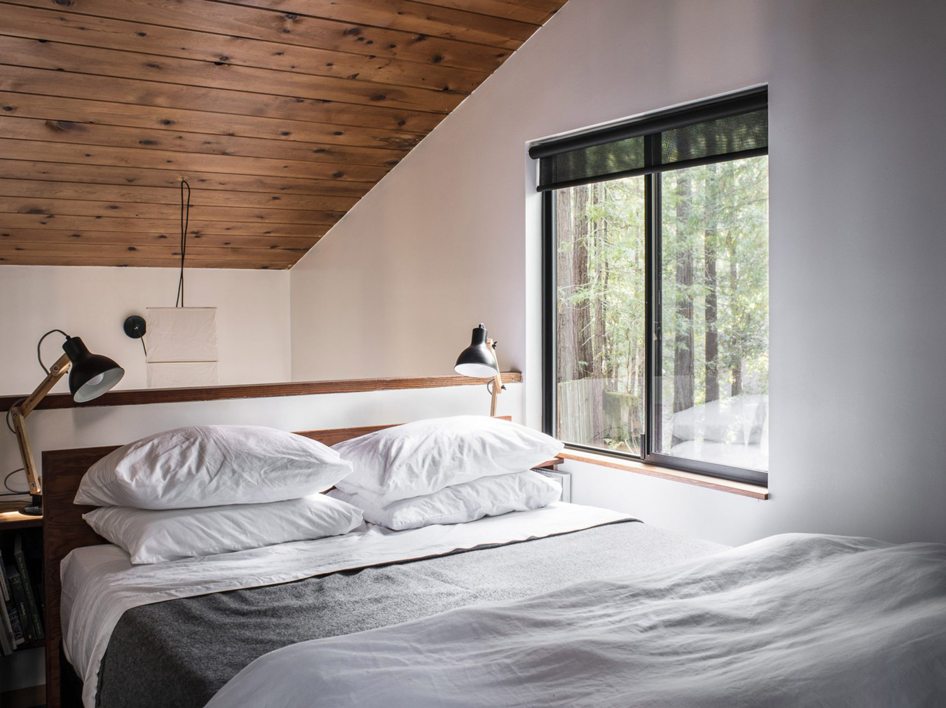 Restored cabin by Joseph Esherick comes up for rent in California's Sea Ranch