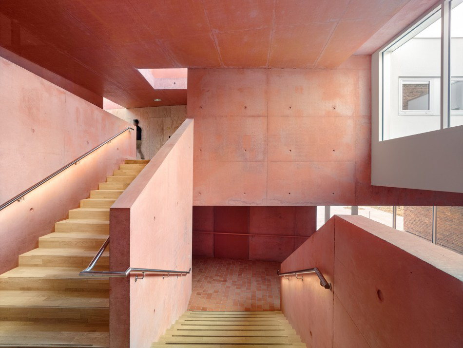 French retirement home proves pink isn't just for Millennials