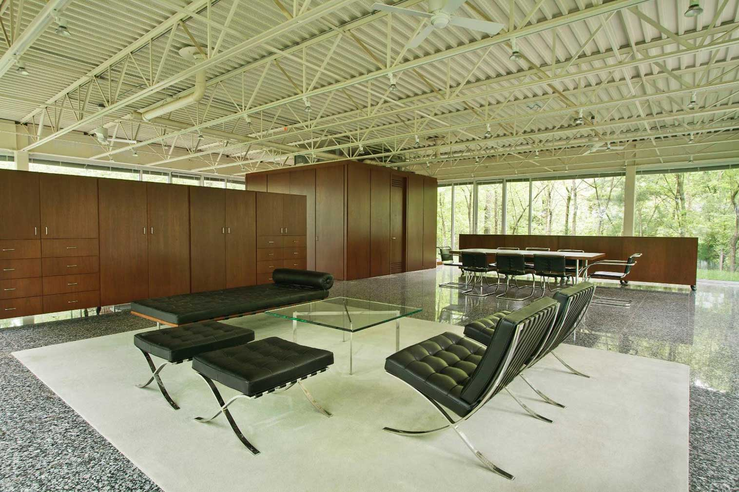 Modernist home for sale in Knoxville Tennessee designed by William Starke Shell