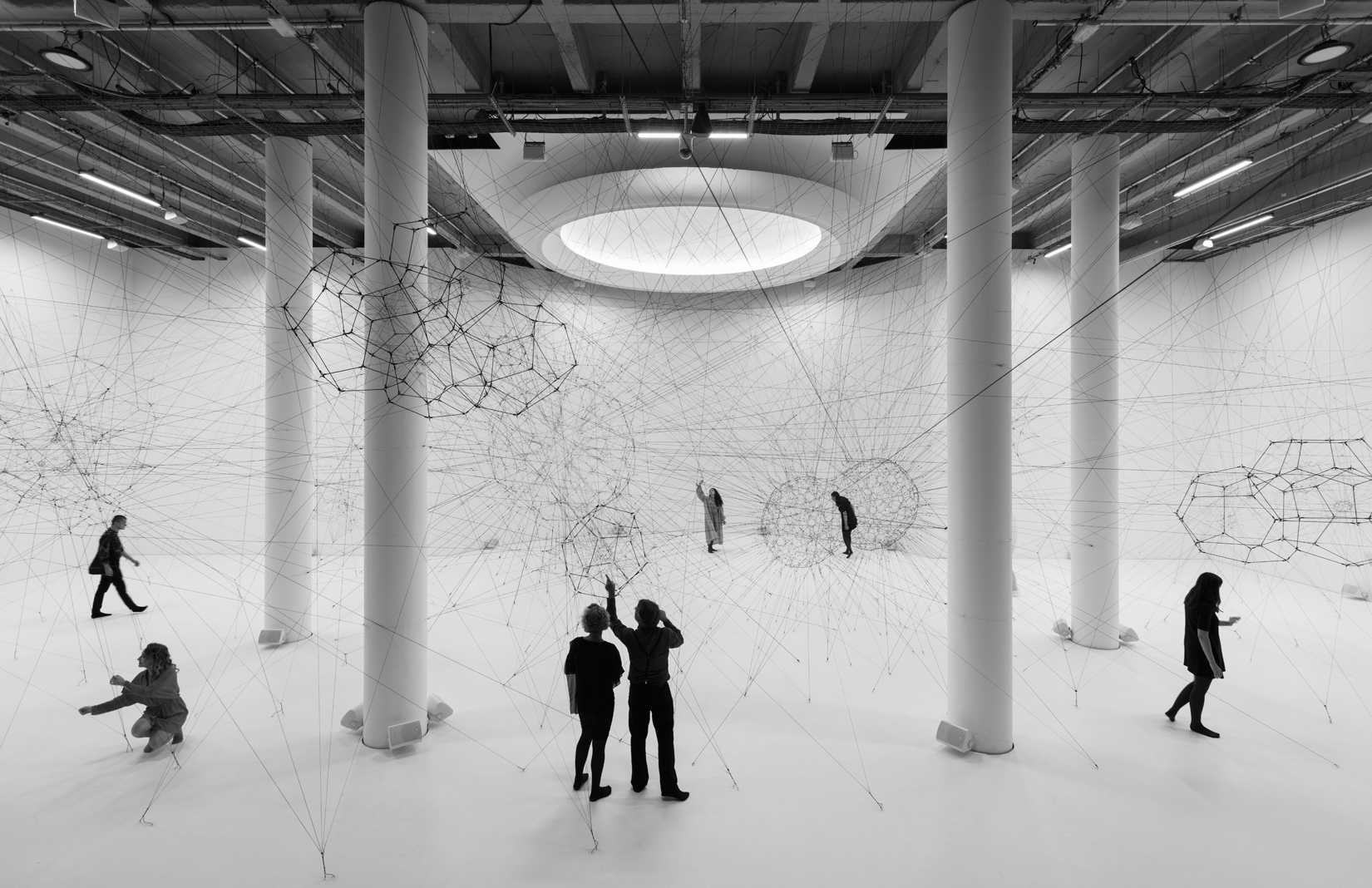 Tomás Saraceno, 'ON AIR' solo exhibition at Palais de Tokyo, Paris, 2018, curated by Rebecca Lamarche-Vadel. Courtesy the artist; Andersenís, Copenhagen; Esther Schipper, Berlin; Pinksummer Contemporary Art, Genoa; Ruth Benzacar, Buenos Aires; Tanya Bonakdar Gallery, New York. © Photography Andrea Rossetti, 2018.