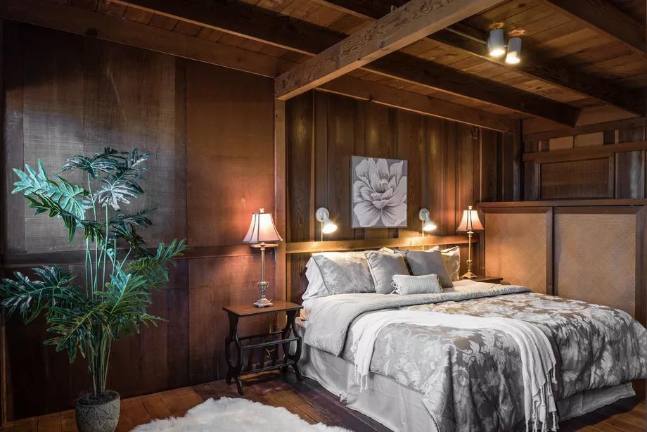 Postwar California beach house hits the market for $798K