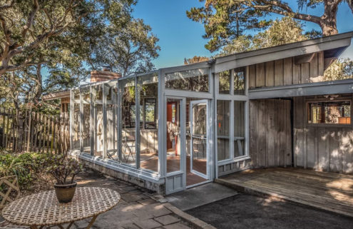 Postwar California beach house hits the market for $798K