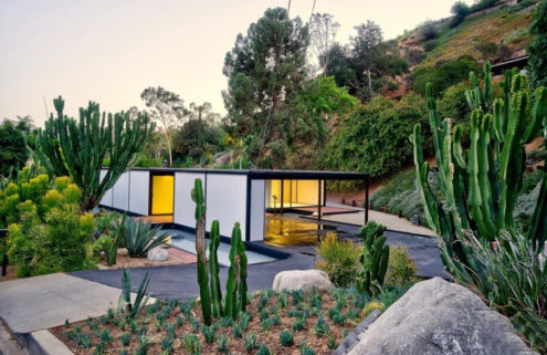 Pierre Koenig's Case Study House 21 lists for $3.6m