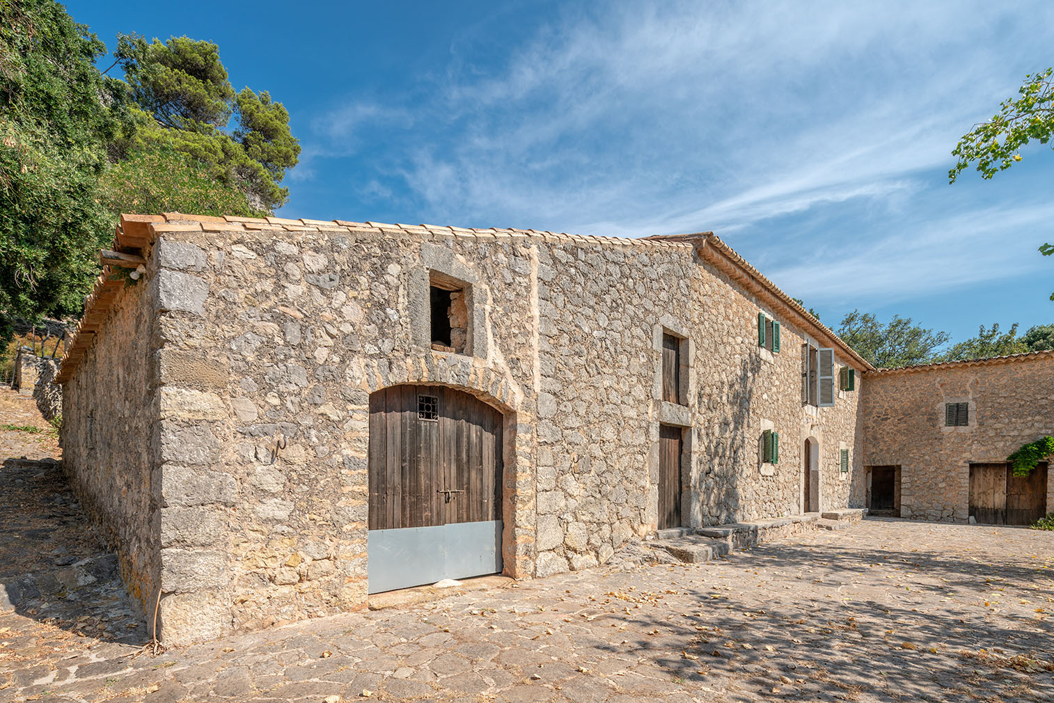 Mountainside Mallorcan finca with 550 acres of olive groves and acorn forest hits the market