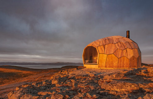 'Pebble' cabins pop up in Norway's Hammerfest
