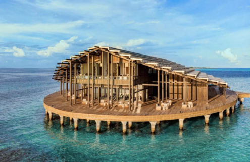 This 'floating' Maldivian resort is 100% eco-powered