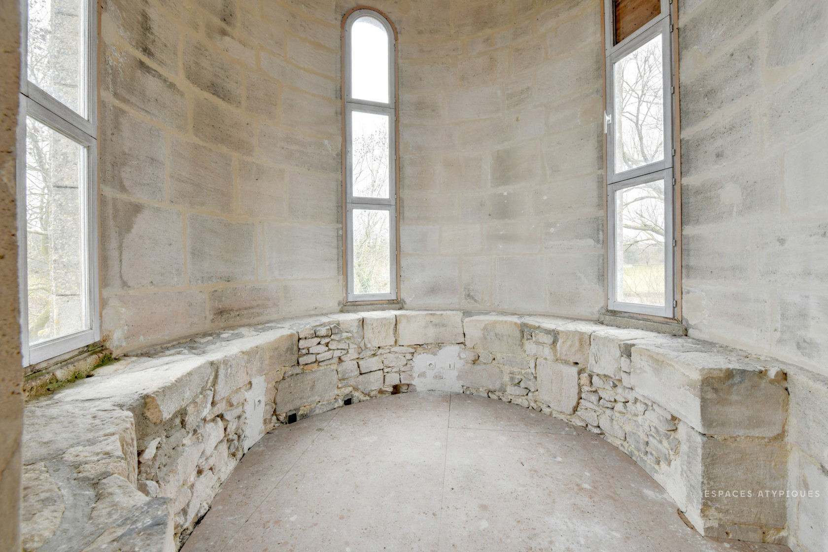 Ready-to-renovate chapel lists for €245k in Picardy