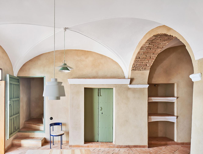 La Hermandad de Villalba is a minimalist rural retreat in Spain