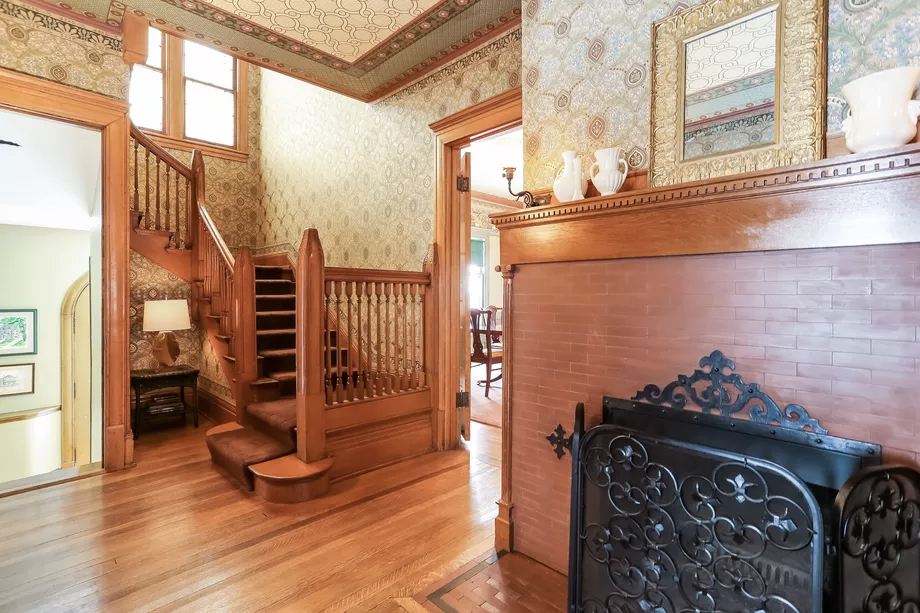One of Frank Lloyd Wright's earliest designs is up for sale in Chicago