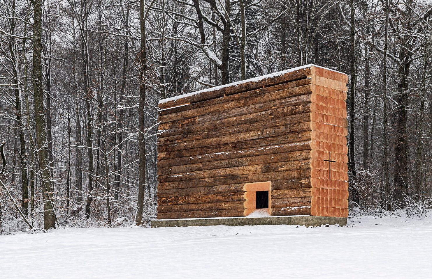 John Pawson designs a rustic chapel in the depths of the Bavarian Forest