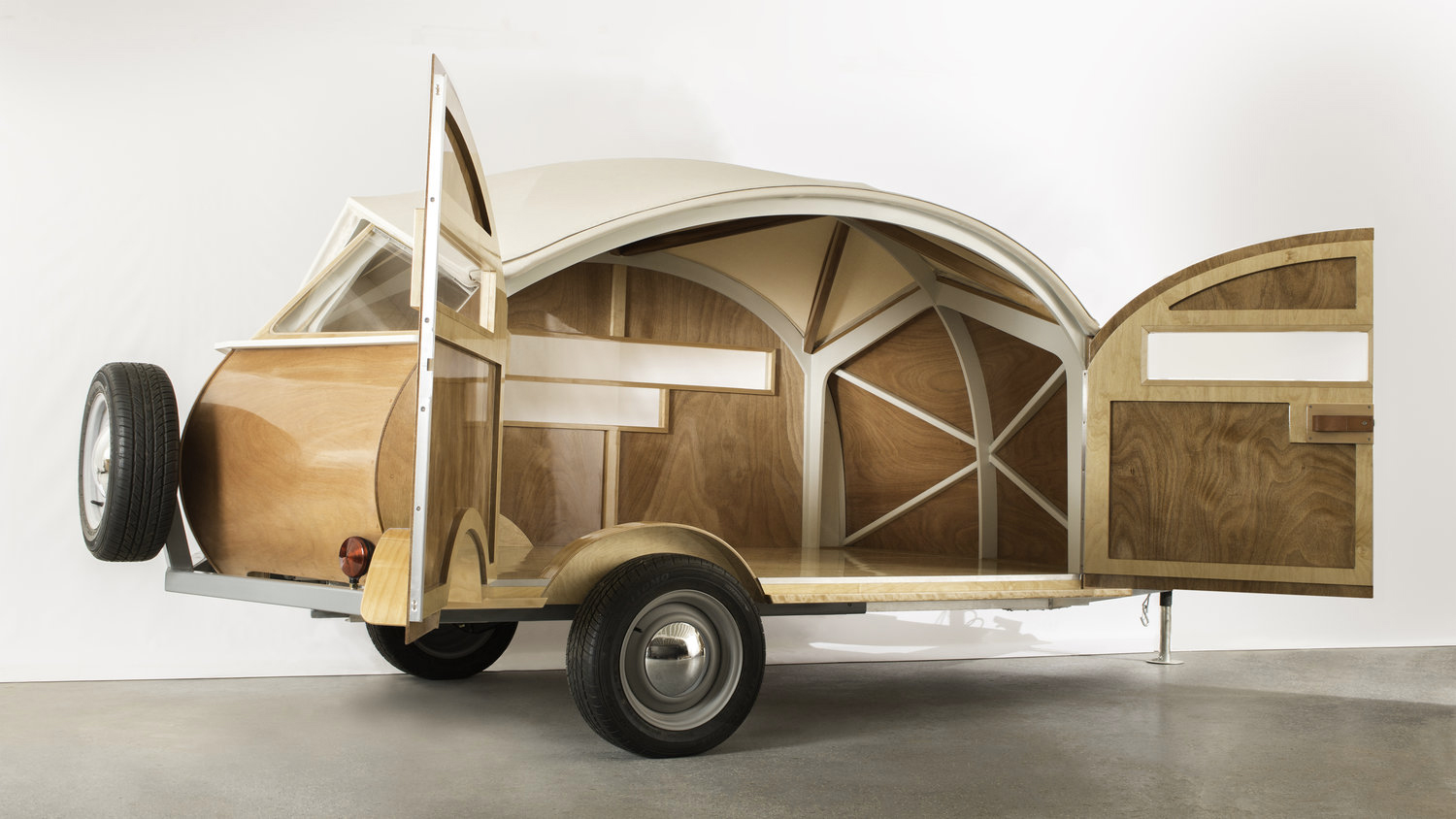 5 must-have trailers for life on the open road: the midcentury-inspired Hütte Hut