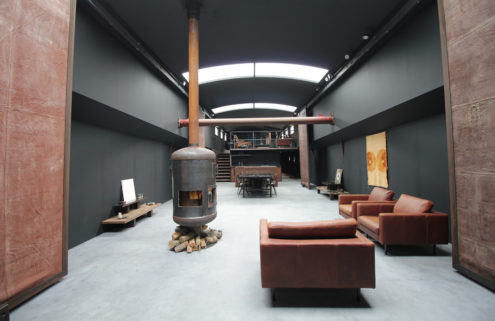 An atmospheric houseboat hits the market in Amsterdam