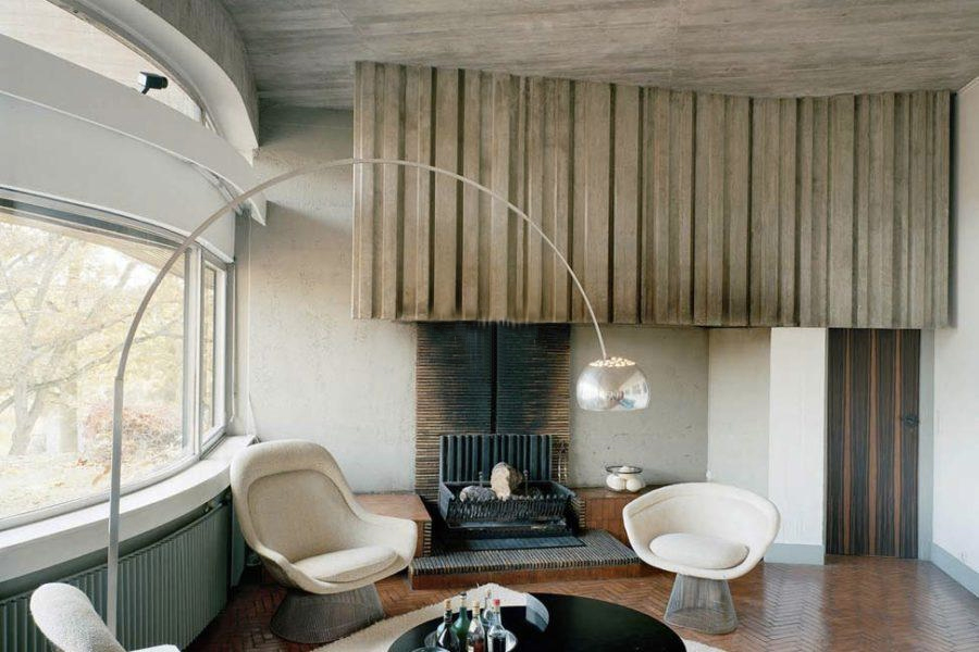 Supermodernist home by Claude Parent for sale in France's Bois-le-Roi