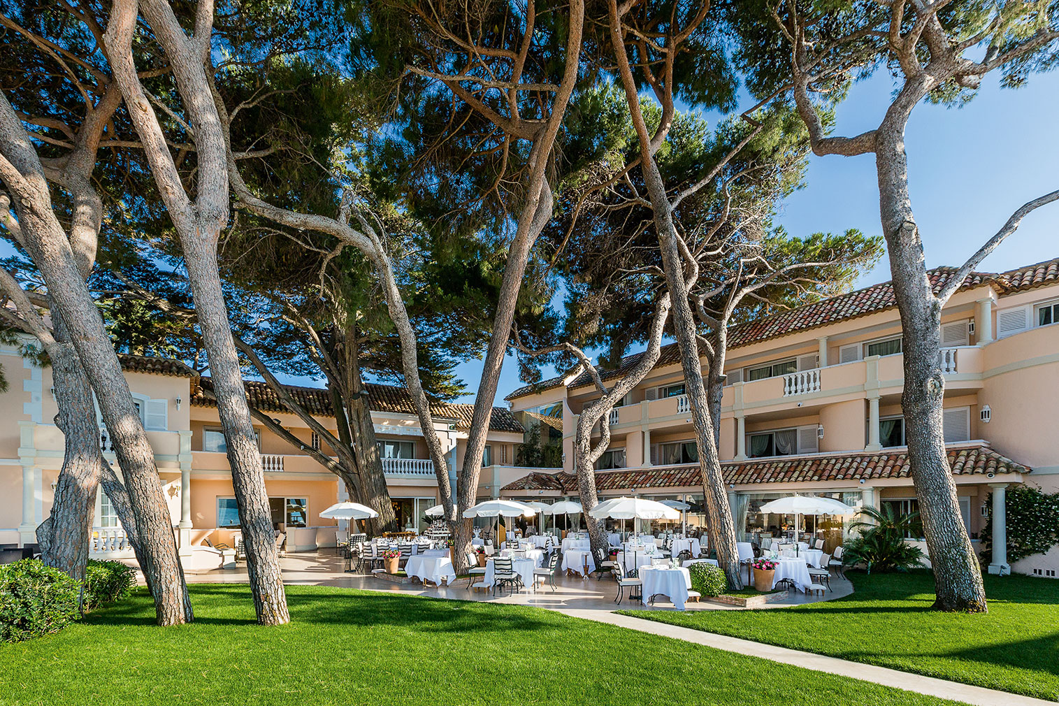 Cheval Blanc is a French Riviera hideaway with classic bones and modernist interiors