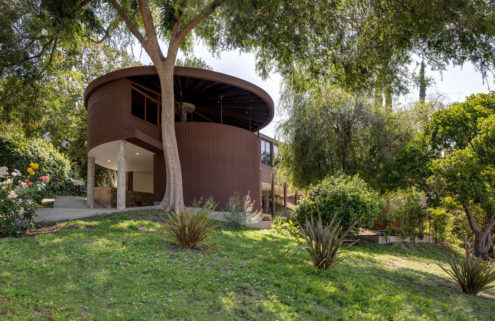 Circular 1950s house by John Lautner hits the market for the first time