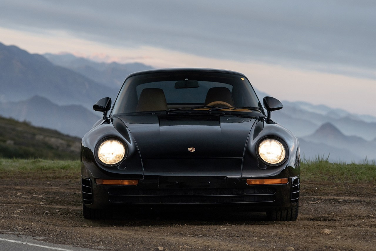 A rare black Porsche 959 Komfort is for sale