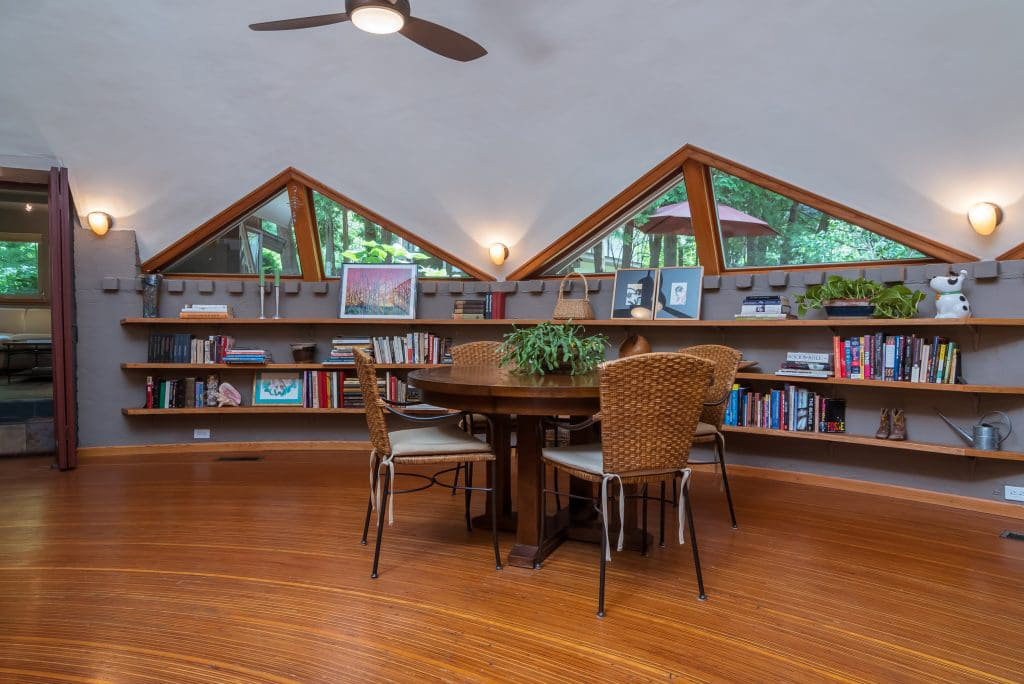Sci-fi midcentury dome home hits the market in Wisconsin