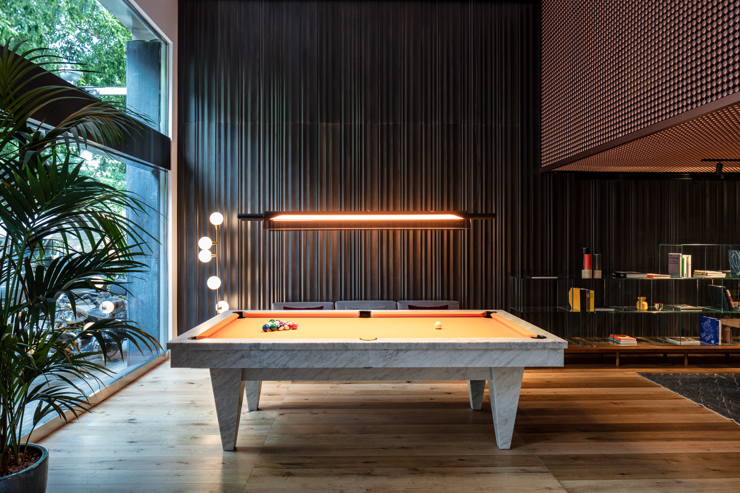 Sir Victor hotel in Barcelona - pool table