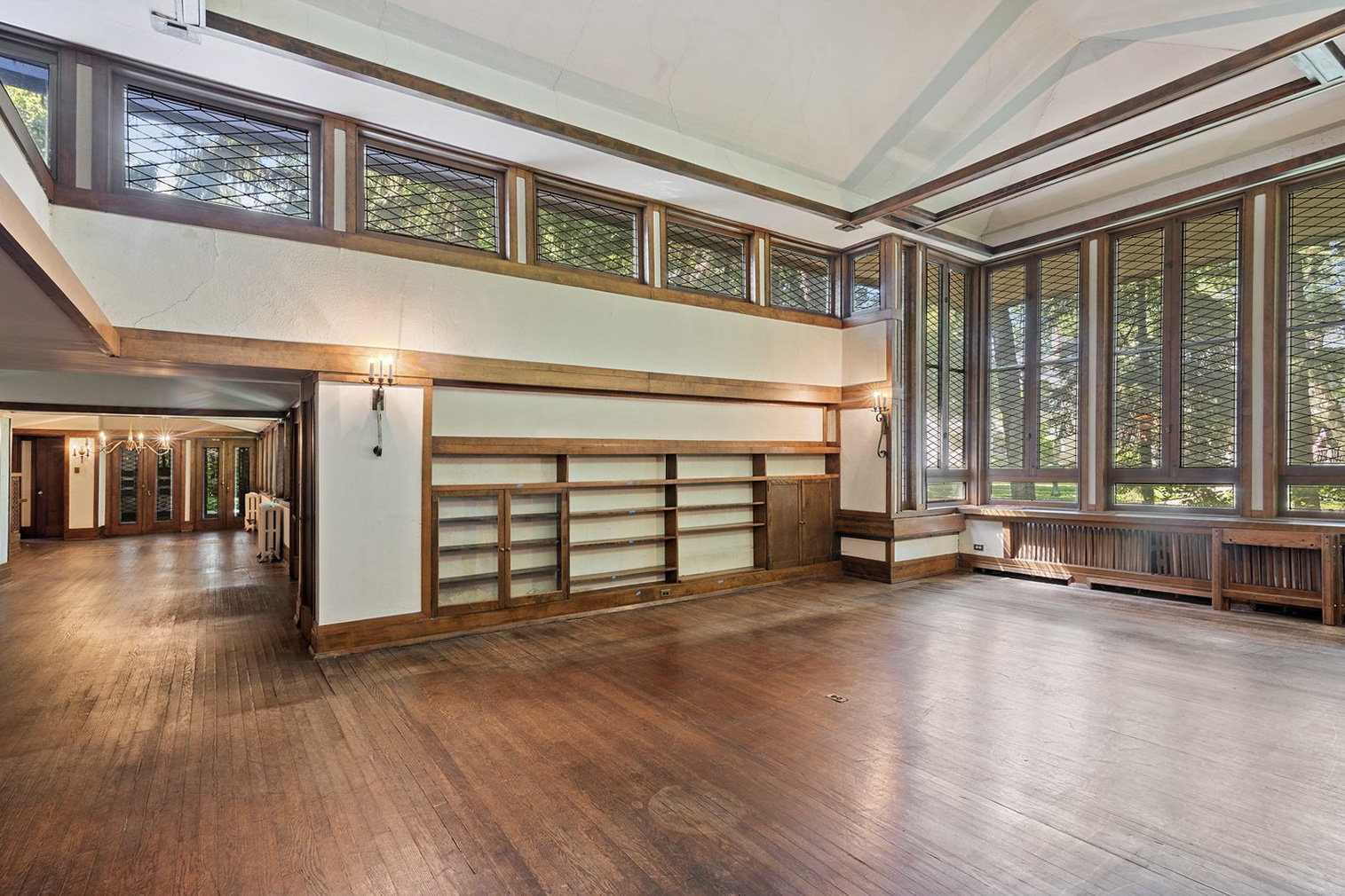 Frank Lloyd Wright's Frank J Baker House built in 1909 - for sale via @properties