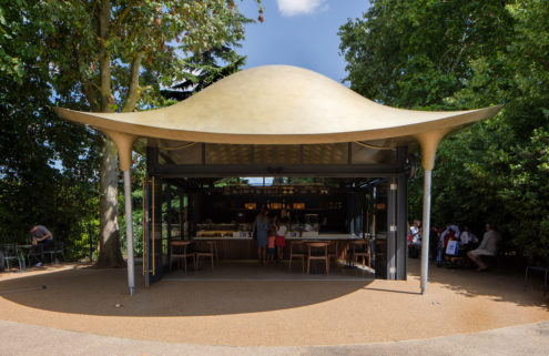 Serpentine Coffee House floats like a stingray in London's Hyde Park
