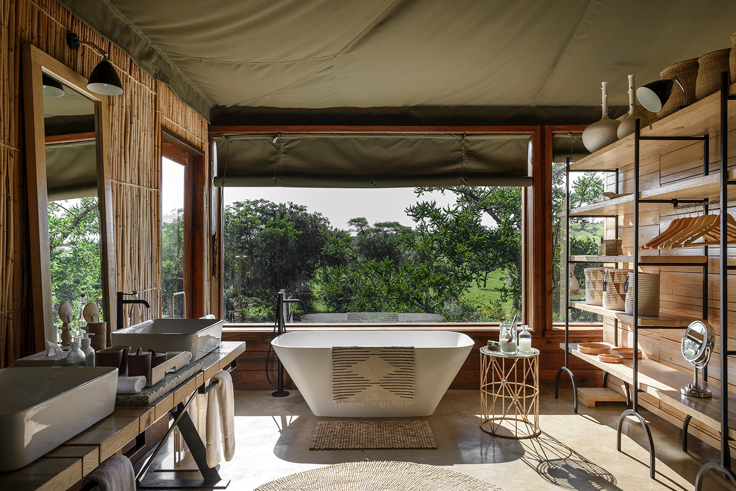 Singita lodge bedroom and bathroom suite.