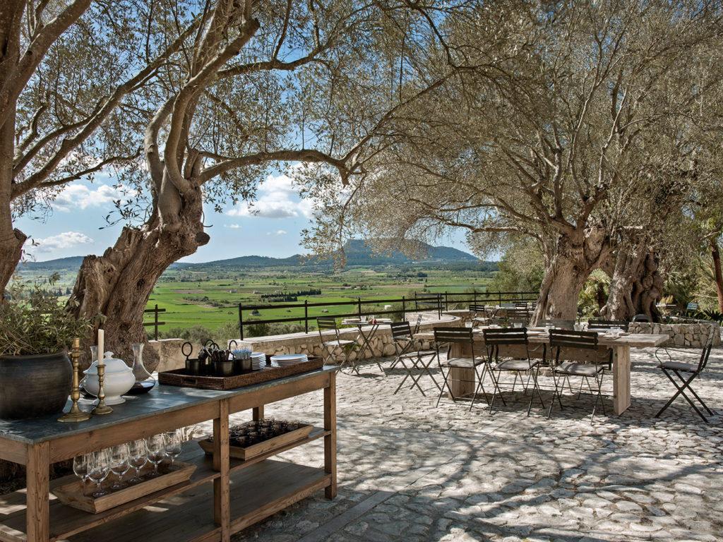 mallorcan hideaway finca serena lets you live amid the landscape