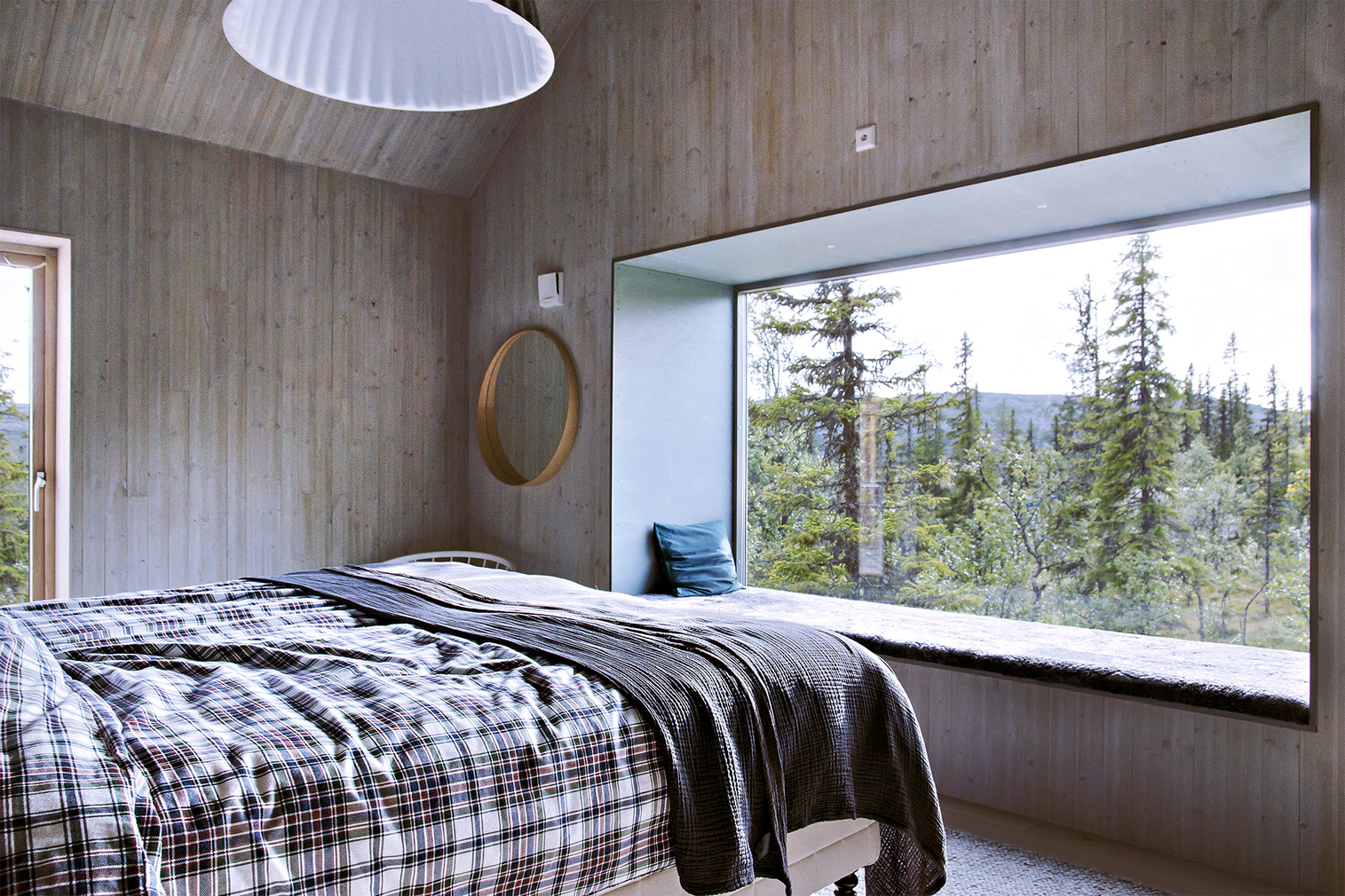 Slope living gets a contemporary spin inside this Vemdalen ski chalet