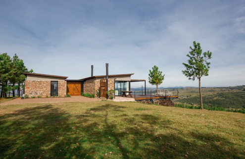 Modern ranch home hits the market in the foothills of Uruguay's Sierra de las Ánimas