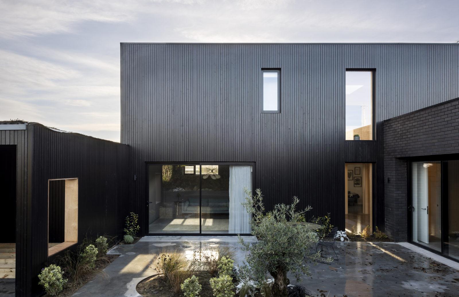 Coastal Kent retreat Flint House has black patterned brickwork